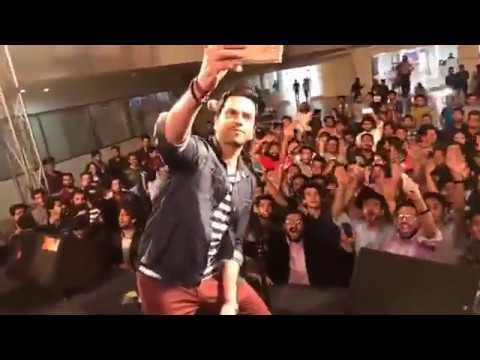 Call The Band   Laree Choote & Sab Bhula ke Live at Karachi 2017   Pakistani Hindi Rock Band.