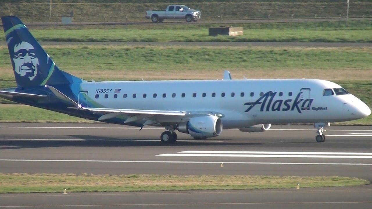 Buddy On Board Alaska Airlines Skywest Erj 175 N185sy Takeoff Portland Airport Pdx Youtube