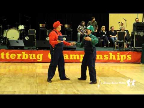 Super Mario Bros Dance Swing (HD-BEST VERSION)