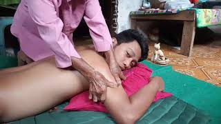 ASMR Back Massage | MANTAP Pijatan Punggung Nenek Ini Sangat Kuat