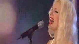 Amanda Jenssen - Lovefool Thumbnail