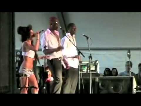 Amy Winehouse - 08 - Back To Black - Coachella 2007