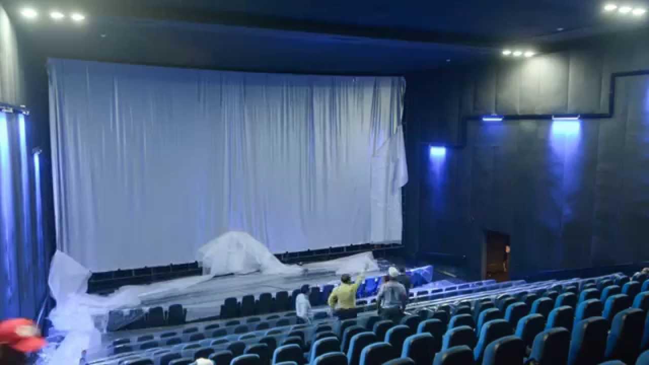 Timelapse del Montaje de la Nueva Pantalla IMAX en Palacio del Cine ...