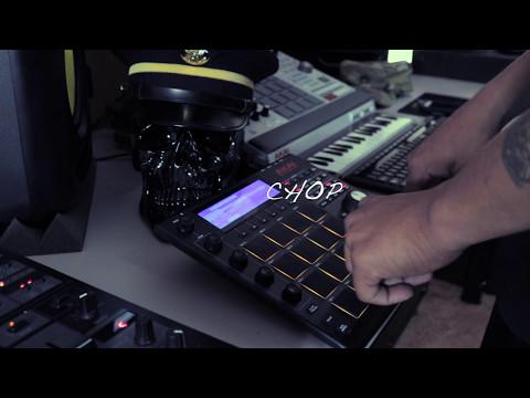 AKAI MPC STUDIO BLACK- MAKING A BEAT SAMPLING KOREAN GUITAR