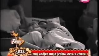 Repeat youtube video FARMA 5 - ČUPO KALAČ I JELENA GOLUBOVIĆ MAŽENJE U KREVETU (ŽURKA)