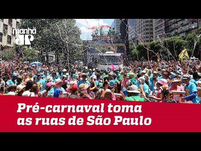 Pré-carnaval toma as ruas de São Paulo com mais de 200 blocos