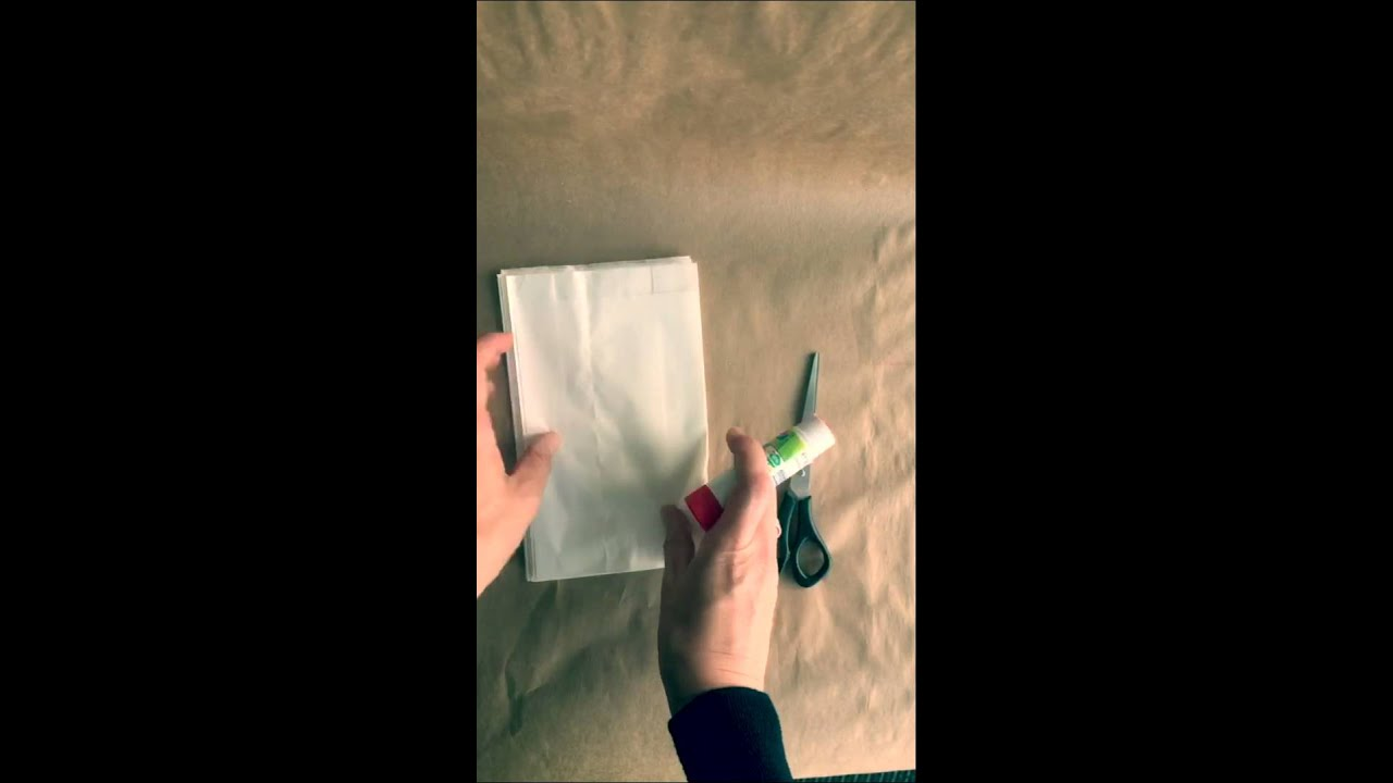 weihnachtssterne aus butterbrotpapier t ten in 15 sekunden youtube. Black Bedroom Furniture Sets. Home Design Ideas