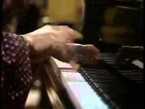 Argerich plays Prokofiev Piano Concerto n° 3, in C major, 1st mov.  (1977)