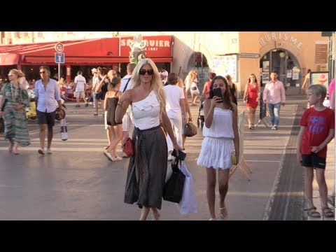 EXCLUSIVE  Victoria Silvstedt shopping in Saint Tropez