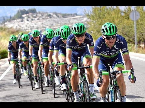 Why VUELTA A ESPANA racing is so CRAZY