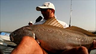 Pesca de kayak show VIDEO 10 Corvinas 25kg e 22kg(, 2013-06-28T15:51:21.000Z)