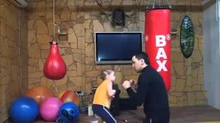 petite fille russe s'entraine boxe anglaise .mp4(, 2013-02-05T00:48:48.000Z)