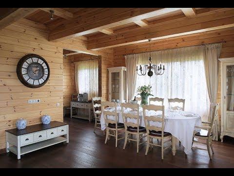 Интерьер деревянного дома в стиле классического кантри от Палекс
