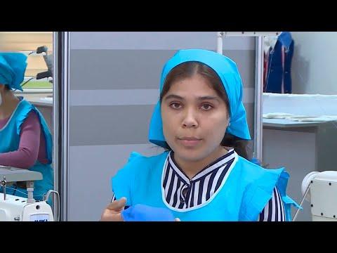 Студенты из Таджикистана шьют медицинские маски для себя
