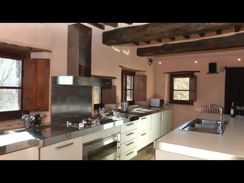 4-bedroom-private-italian-villa-with-pool-and-view---col-di-forche