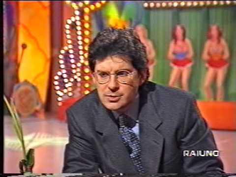 La Zingara Con Cloris Brosca E Fabrizio Frizzi Raiuno 26 Febbraio 1996 Youtube