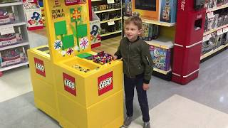 "LEGO at Toys ""R"" Us, Brooklyn - October 26, 2017"