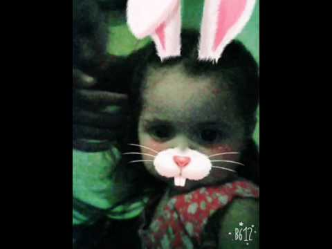 Hemosa niña. Conejo