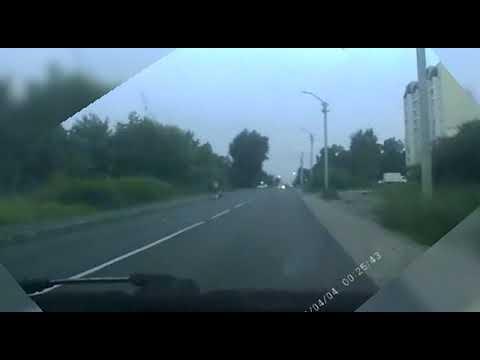 У места ДТП в Новоалтайске 4 августа.