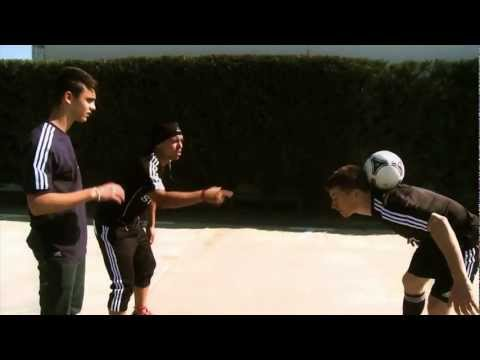Freestyle Football with Messi & Jayzinho
