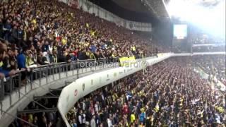 Santra ile birlikte Fenerbahçe stadı sallanıyor..
