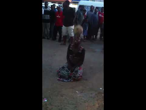 Football technics by a tanzanian street woman