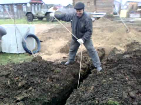 Как выкопать глубокую траншею