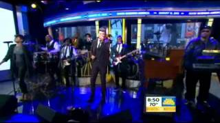"Robin Thicke performs new single ""Back Together"" on GMA"