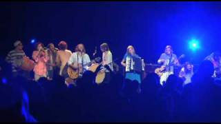 Family of the Year - Om Nashi Me (with Edward Sharpe) [Live Video]