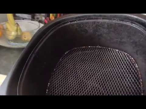 Consumer review: Airfryer after 1 year of use? Sticky basket, thinning coating.