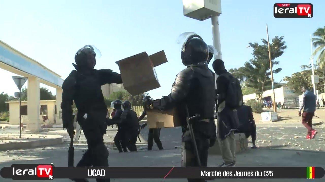 Marche interdite des jeunes du C25 à l'UCAD