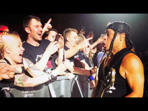Metallica - Robert Trujillo move to the front row at Seek and Destroy,  Live in Copenhagen 2017
