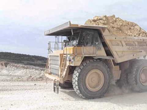 Maastrichtian limestone quarry: make way for the heavy machinery!