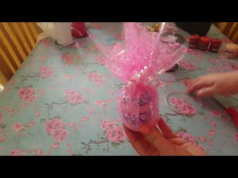 Gift Wrapping Ideas using cello wrap and tissure paper - Yankee candle