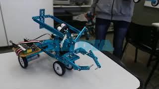 En medio del flagelo de las amenazas, alumnos de Berisso crearon tres robots antibombas