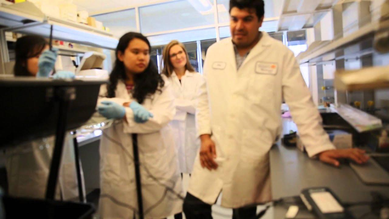 High School Biology Classes 'Come Alive' After Teacher's