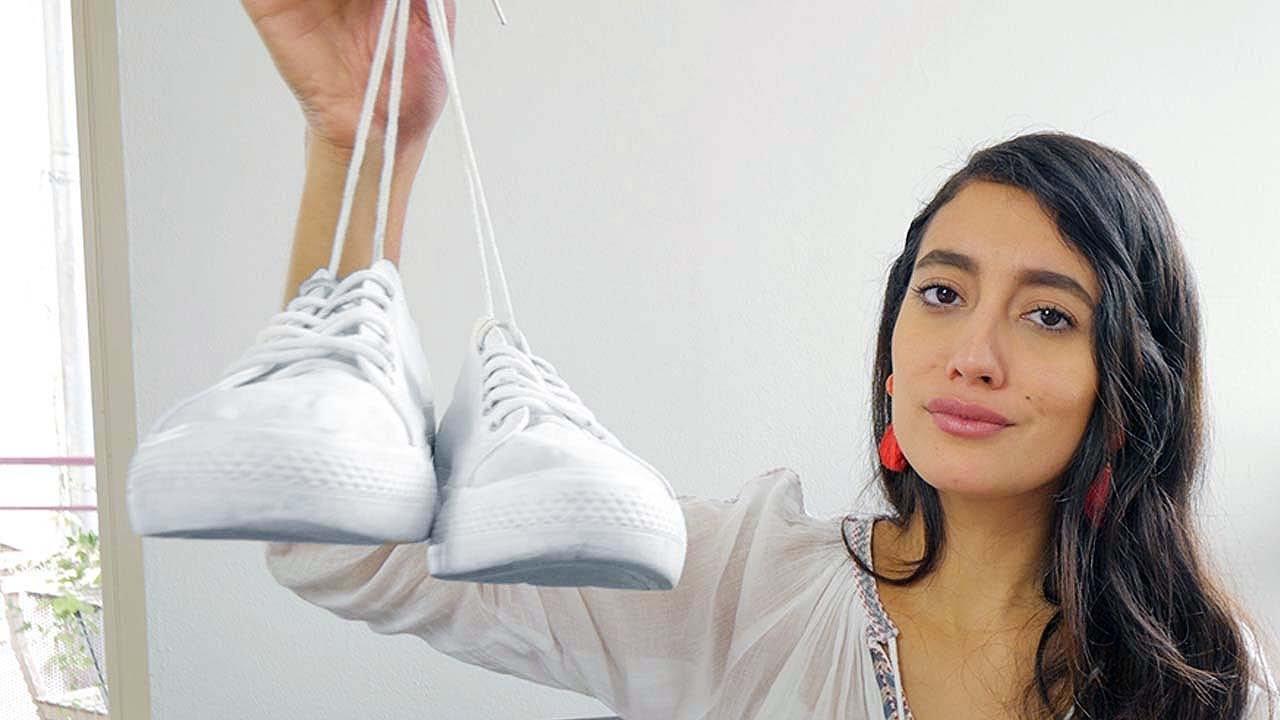 ¿Cómo quitar las manchas de tus zapatillas blancas?