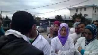 تظاهر واحتجاج عمال ملبنة بني تامو بالبليدة الجزائر 2