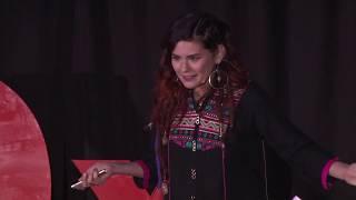 Anda, toma tu mochila, y vete | Ixpanea Valadez | TEDxTeopanzolco