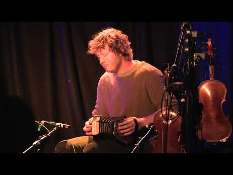 Cormac Ó Beaglaíoch: Traditional Irish Music from LiveTrad.com