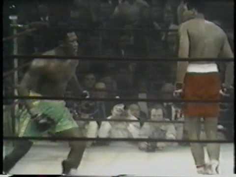 ジョー・フレイジャー VS モハメド・アリ 第1戦 - YouTube