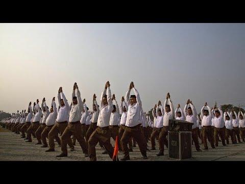 فيديو | الشرطة الهندية تمارس اليوغا بمناسبة اليوم العالمي للرياضة …  - 15:56-2021 / 6 / 21