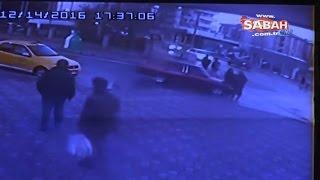 Aracın yolun karşısına geçmeye çalışan yayalara çarpma anı kamerada !!! - 17 Aralık 2016