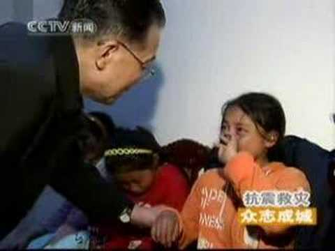 Premier Wen Consoled Orphans after Sichuan Earthquake