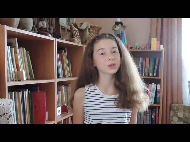 Изображение предпросмотра прочтения – АлисаМихайлова читает произведение «Над окошком месяц» С.А.Есенина