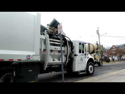Wm truck and city of newark Delaware garbage truck