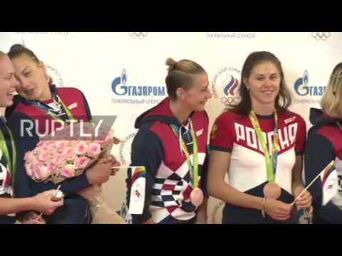 Russia: Olympic team receives warm welcome in Moscow