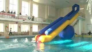 """Праздник для детей устроили в бассейне """"Чайка""""."""