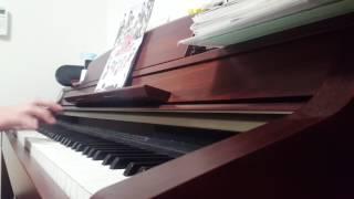 ピアノでつばきファクトリーの「初恋サンライズ」を気ままに弾かせてい...