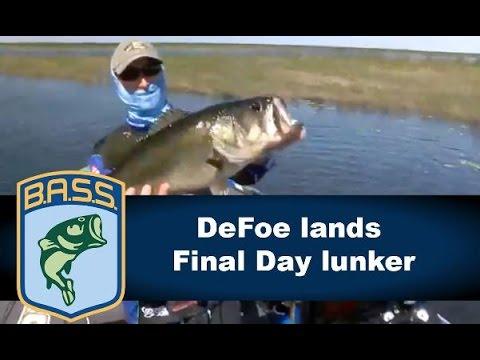 Ott DeFoe catches a final day kicker on Lake Okeechobee